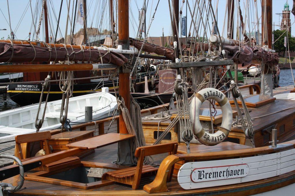 Traditionsschiffe im Neuen Hafen