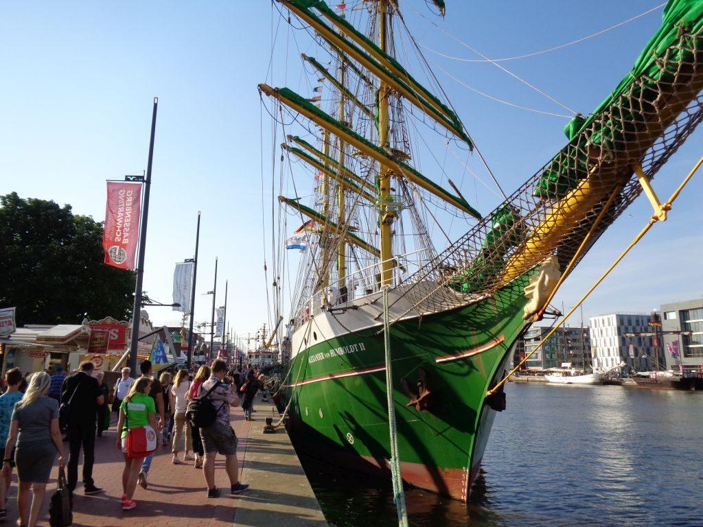 """Die """"Alexander von Humboldt II"""" im Neuen Hafen Bremerhaven (c) Tanja Albert"""