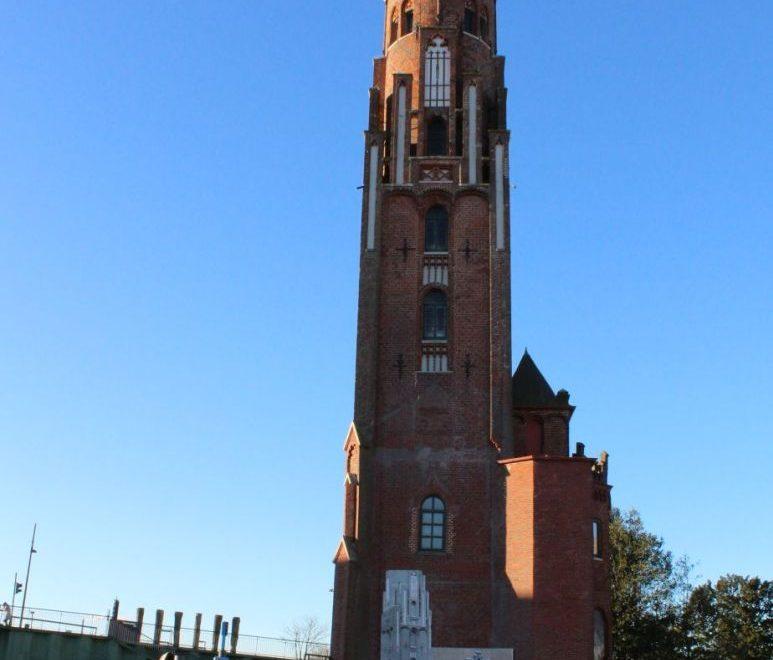 Ein echter Hingucker, der Simon Loschen-Turm (c) Mailin Knoke