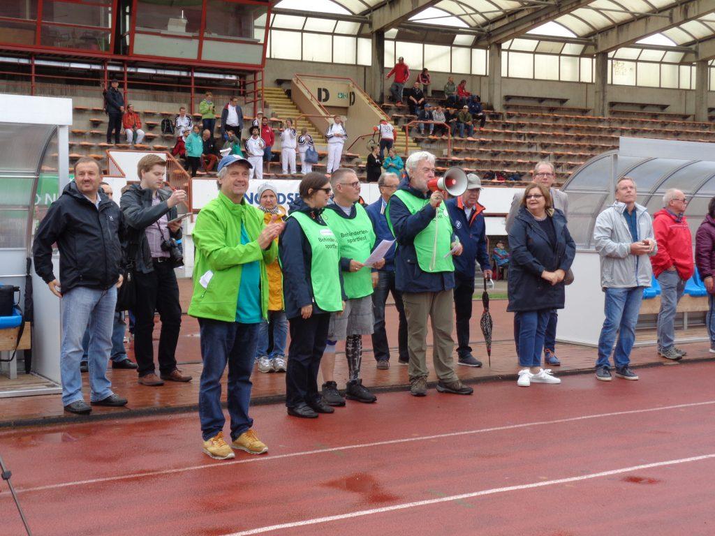 Stadtrat Uwe Parpart beim 29. Behindertensportfest (c) Tanja Albert