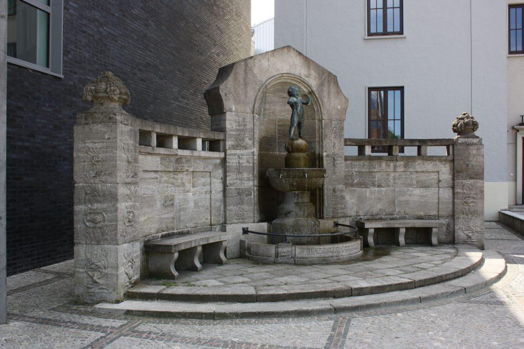 Krüderbrunnen neben dem Stadttheater Bremerhaven (c) Tanja Albert