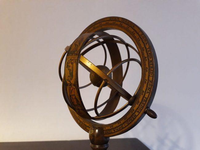 Modell von Umlaufbahnen (c) Tanja Albert