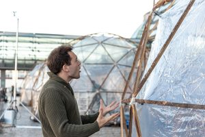 Pollution Pods am Klimahaus als Kunstobjekt