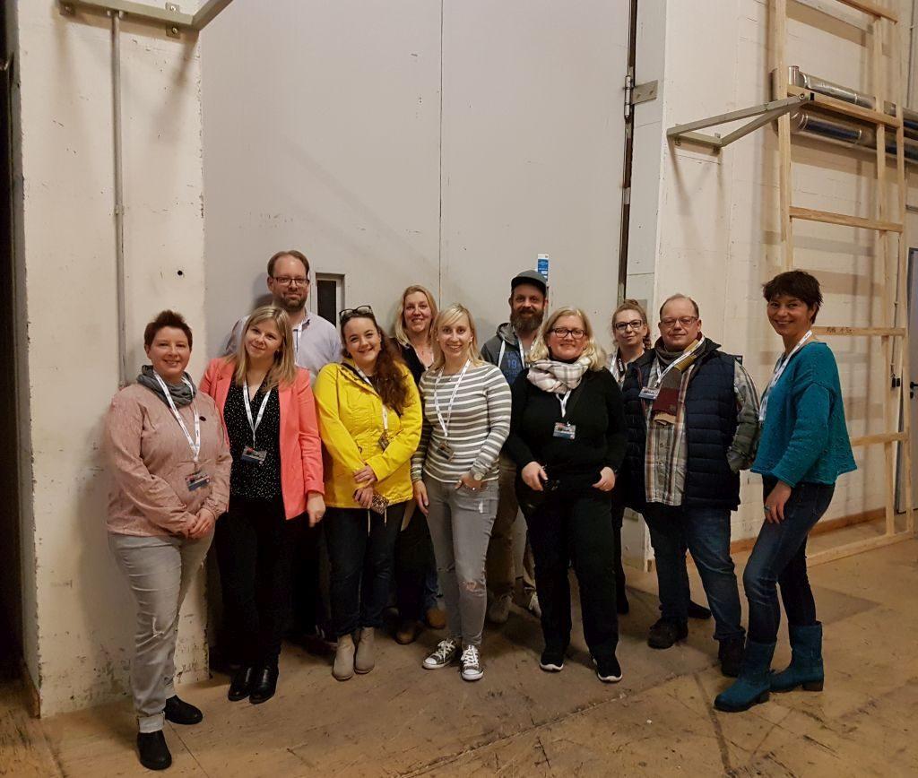 Katja, Mailin, Alexander, Juliet, Hjördis, Sarah, Olaf, Hedi, Petzi, Marco und Tanja beim InstaWalk Stadttheater (c) Tanja Albert