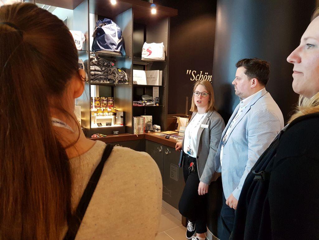 Erste Fotos vom Regio-Shop beim InstaWalk im ATLANTIC Hotel Sail City (c) Tanja Albert