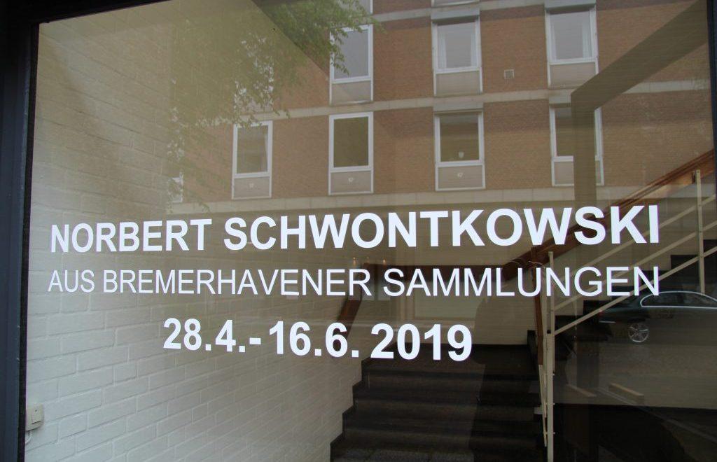 Eingang Ausstellung Norbert Schwontkowski