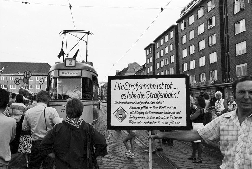 Demonstration gegen die Abschaffung der Straßenbahn