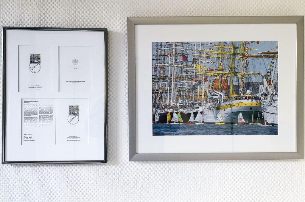 zwei Fotos mit Segelschiffen