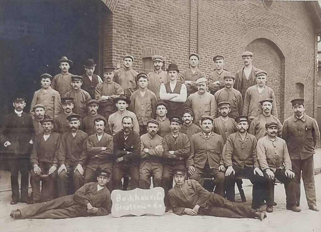 """Belegschaft von """"Backhaus & Co."""" (c) Historisches Museum Bremerhaven"""