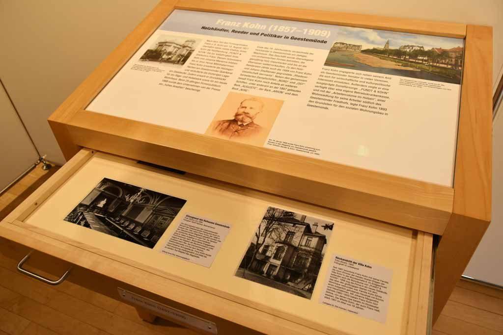 Schubladenschrank in der Ausstellung (c) Historisches Museum Bremerhaven
