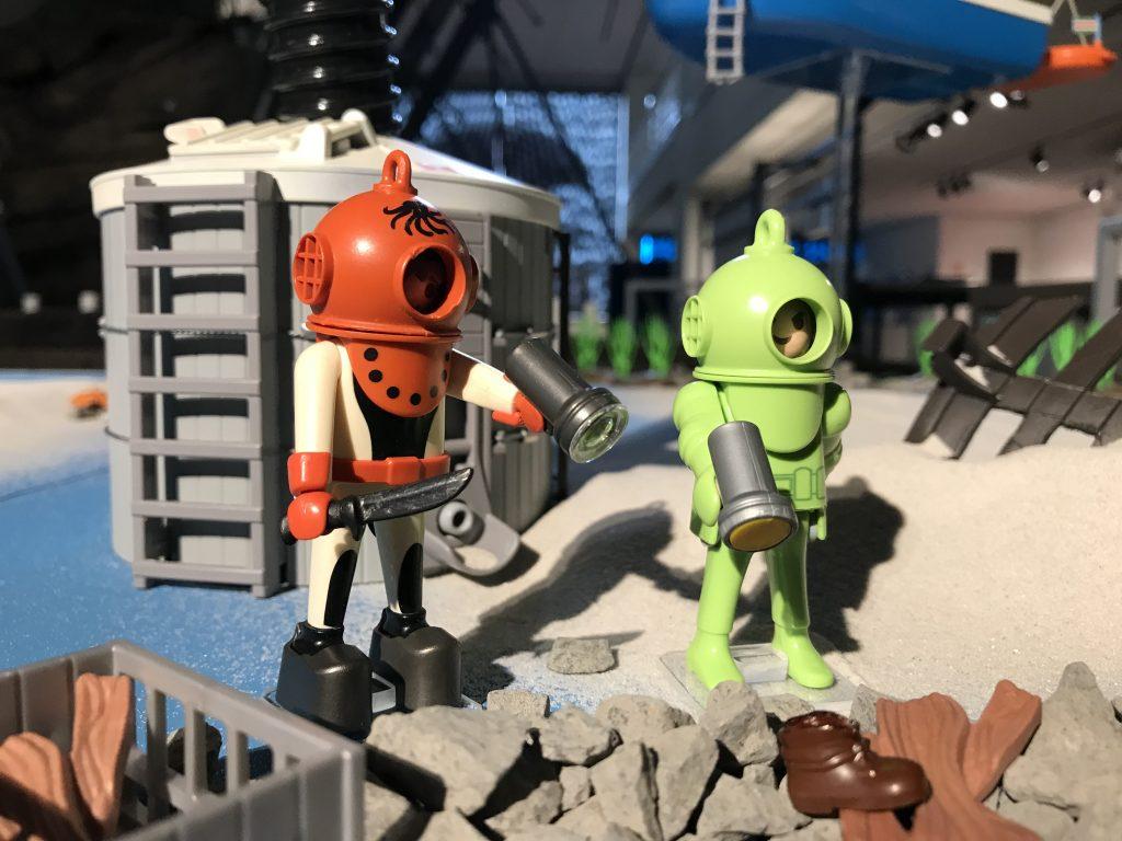 PLAYMOBIL-Figuren stellen die Realität dar.