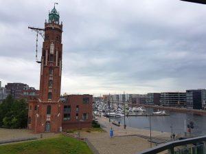 Blick auf den Simon-Loschen-Leuchtturm und die im jaich-Marina (c) Tanja Albert