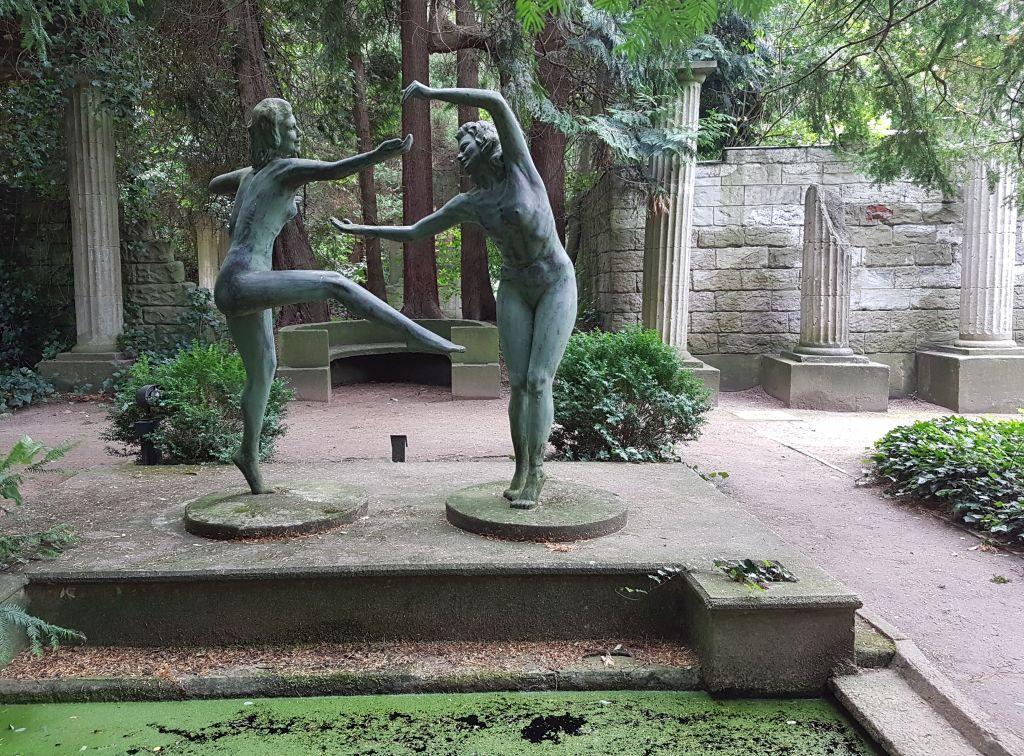 Tanzende Frauenskulptur (c) Tanja Albert