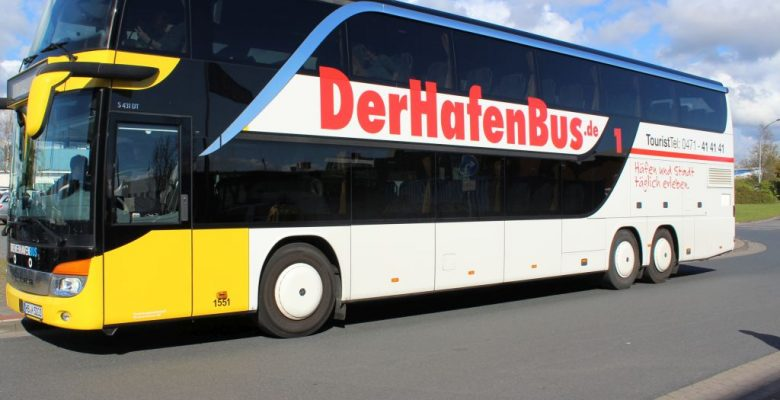 Blick auf die linke Seite von Der Hafenbus (c) Tanja Mehl