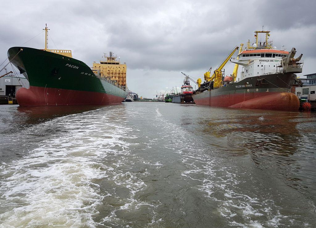 Schiffe im Kaiserhafen (c) Tanja Albert