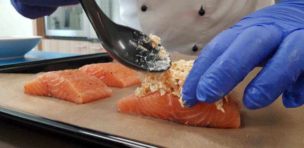 Fischrezept wird vollendet