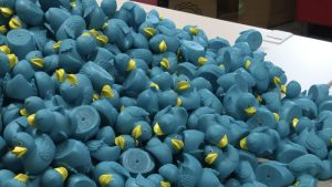 viele blaue Badeenten