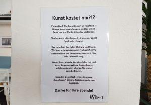 Hinweiszettel im Fischkai57 mit Aufruf zur Spende an der Wand (c) Tanja Albert