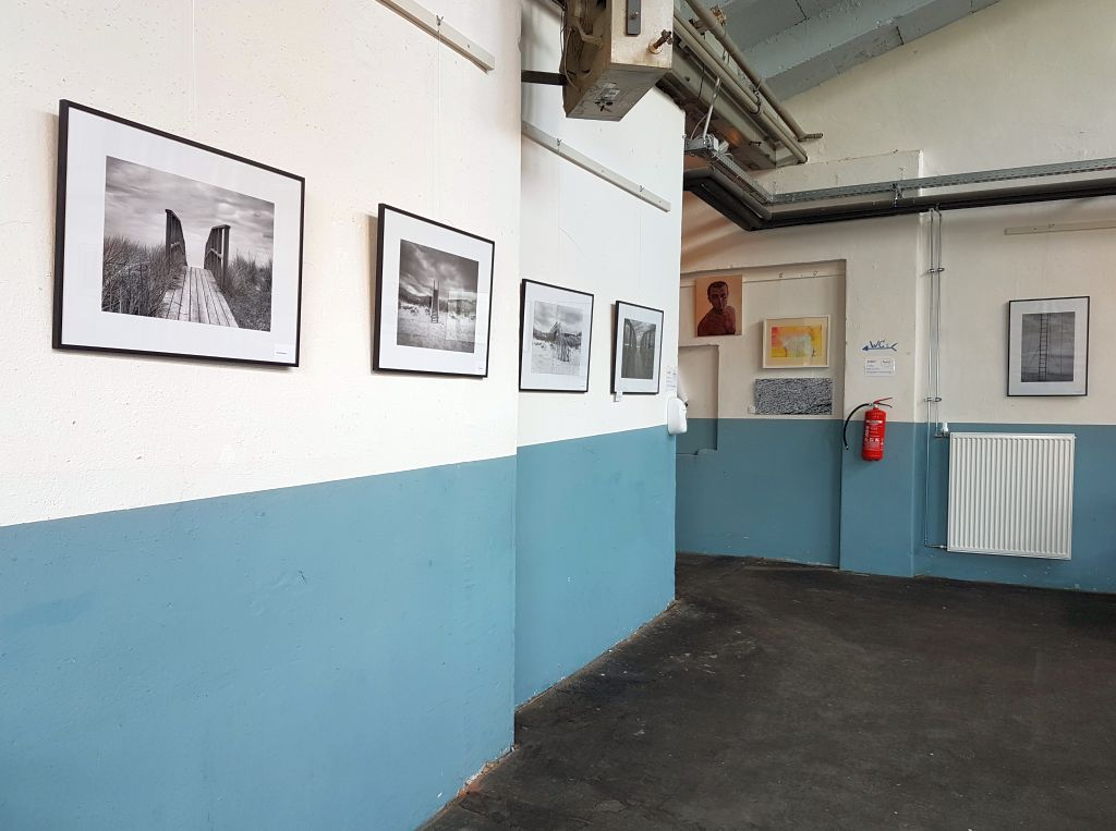Bilder an der Wand im Fischkai57 (c) Tanja Albert