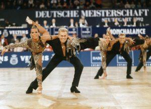 Tänzerinnen und Tänzer der TSG-Formation (c) Lothar Scheschonka