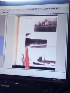 Scan der Reisealben mit einem Archivscanner.