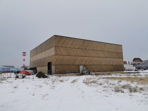 Das Forschungsdepot im Winter bei Schnee.