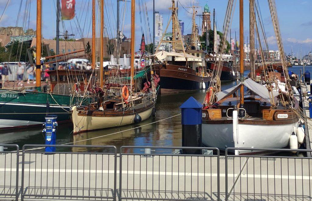Traditionsschiffe im Neuen Hafen Bremerhaven (c) Tanja Albert