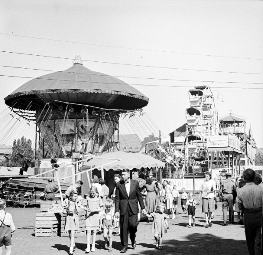 Der Freimarkt 1949 in einer Fotografie von Georg Rogge © Historisches Museum Bremerhaven