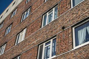 Ansicht Hausfassade mit Fenstern (c) Andreas Larmann